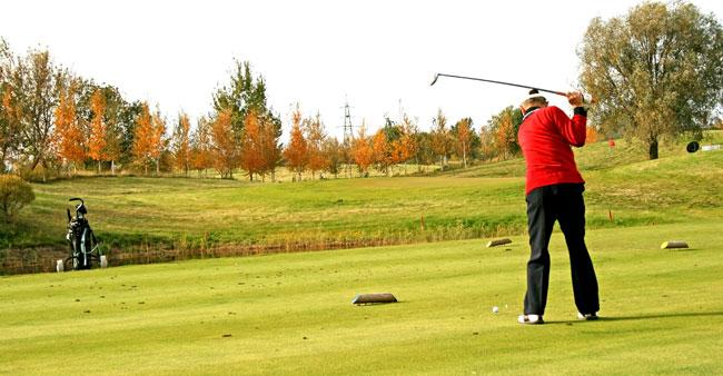 Swinging golf driver