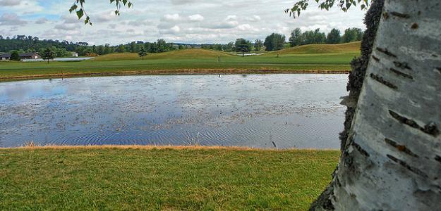 Golf Tips for Beginners: Understanding Water Hazards